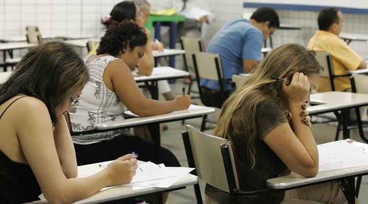 Concursos Abertos - Prefeitura e Universidade Oferecem 13 Mil Vagas