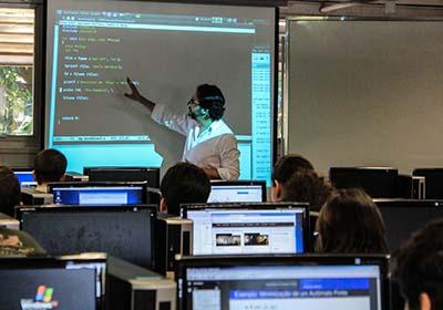 Universidade oferece cursos superior gratuito