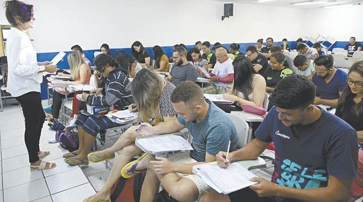 Universidade Federal e Prefeituras Abrem Vagas em Concursos Públicos