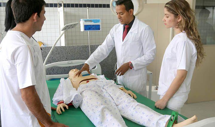 Os Melhores Cursos de Enfermagem do Brasil