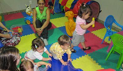 Salário de Auxiliar de Creche