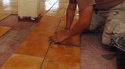 Curso de Assentador de Piso de Cerâmica e Azulejo