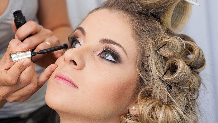 Cursos Gratuitos de Maquiagem e Cuidados com a Pele