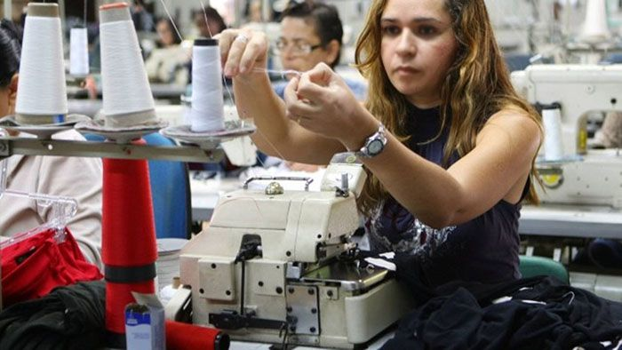 Curso Gratuito de Costureiro de Máquina Reta e Overloque Senai 2018
