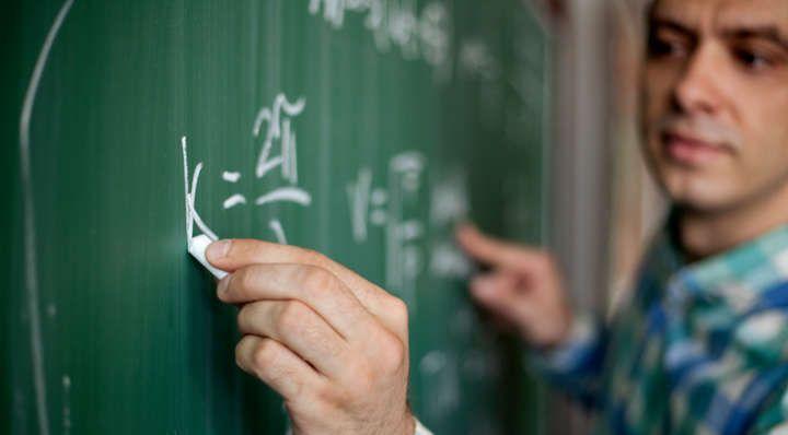 Universidades que oferecem Especialização Gratuita para Professores