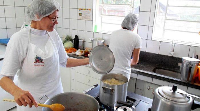 curso gratuito de técnico em cozinha o que faz esse profissional
