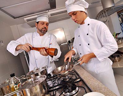 Auxiliar de Cozinha o que faz