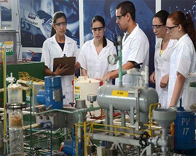 Técnico em Petróleo e Gás e Química o que faz