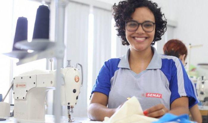 Curso Gratuito com Certificado de Costureira Industrial do Vestuário Senai 2019