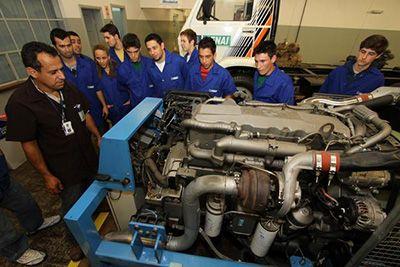 Curso de Montador de Motores a Diesel Senai