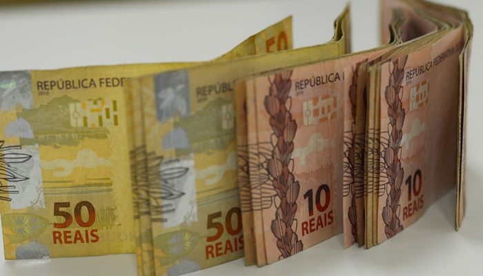 curso online gratuito ensina a ganhar dinheiro com tesouro direto selic