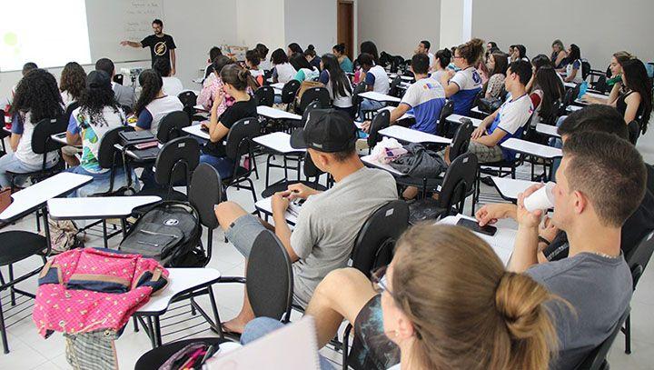 Universidades oferecem Cursinhos Gratuitos para o Enem 2019