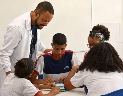 Vagas para Professores e Auxiliar Técnico Sesi 2019 Inscrição
