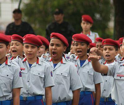Decreto Escolas Cívico-Militares