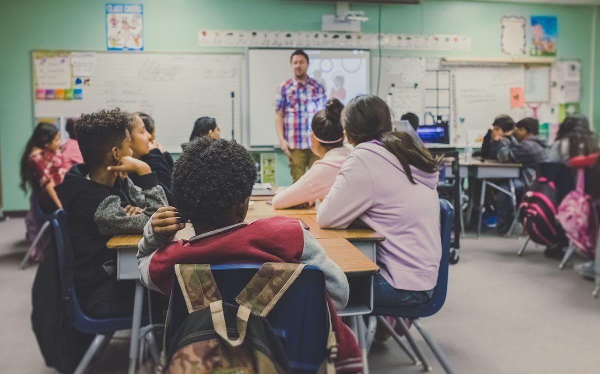 Novas vagas para Cursos Técnicos e Curso de Licenciatura em Pedagogia Gratuitos!