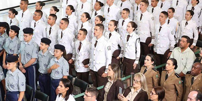 Modelo de Escola Cívico-Militar