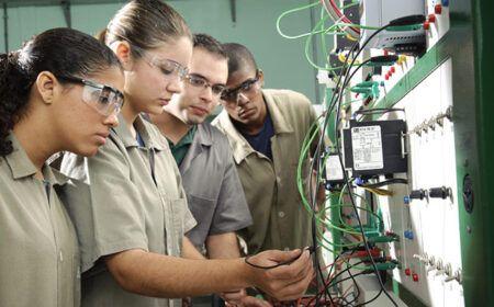 Cursos Técnicos Gratuitos 2020 – Mais de 56 mil vagas através de Escola Técnica!