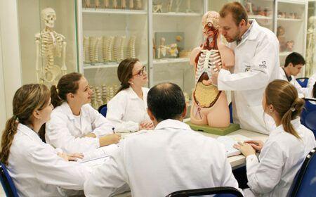 Financiamento Graduação Medicina Santander 2020 – Saiba como funciona!