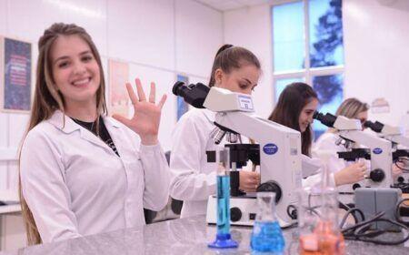 Cursos Técnicos Gratuitos de Enfermagem e Farmácia 2020 – Vagas através do MEC!