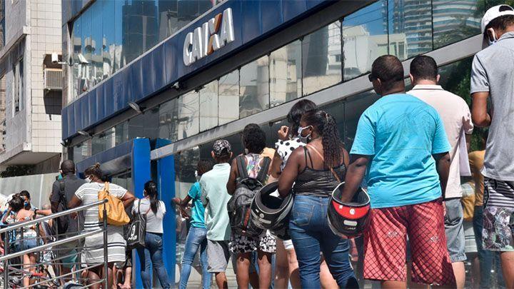 Caixa deve mudar o pagamento do Auxílio para evitar filas e aglomerações