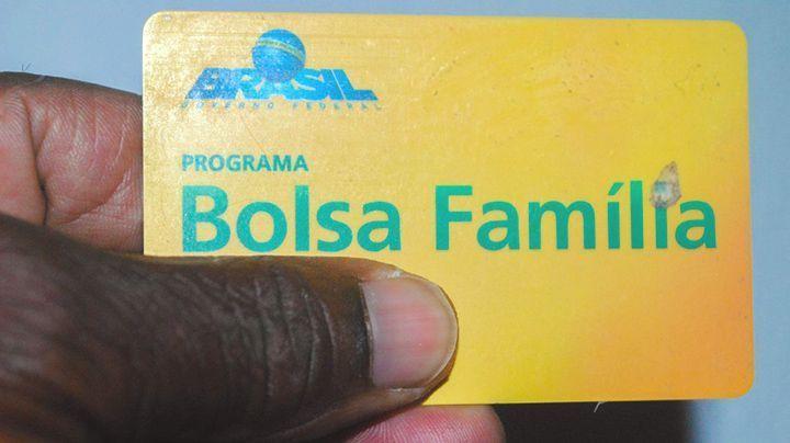 Instituto sugere VALOR de R$ 450 para o BOLSA FAMÍLIA