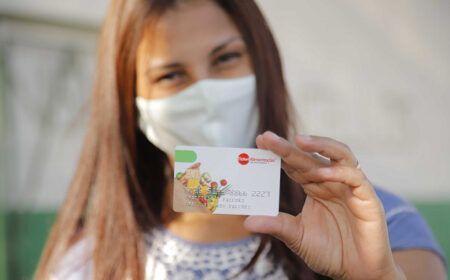 Cartões Vale-Compra e Cesta Básica Digital: Famílias começam a RECEBER o Auxílio