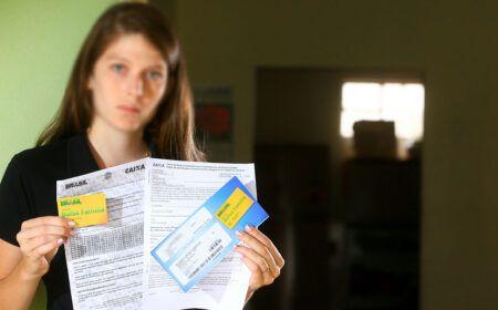 Passo a Passo para RECEBER Cartão Bolsa Família em CASA: Inscritos no CadÚnico podem SOLICITAR e ter acesso a MAIS de 20 PROGRAMAS