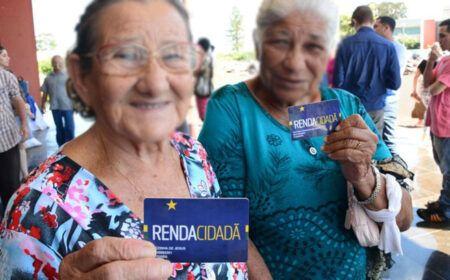 ESCOLHIDO! Renda Cidadã é o NOVO PROGRAMA que substituirá Bolsa Família: Valor próximo dos R$300