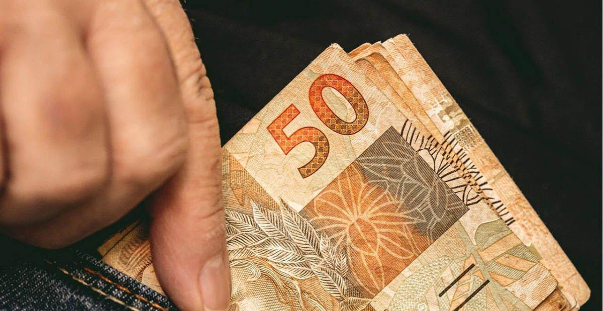 Beneficiários do Bolsa começam a receber PARCELAS em ATRASO