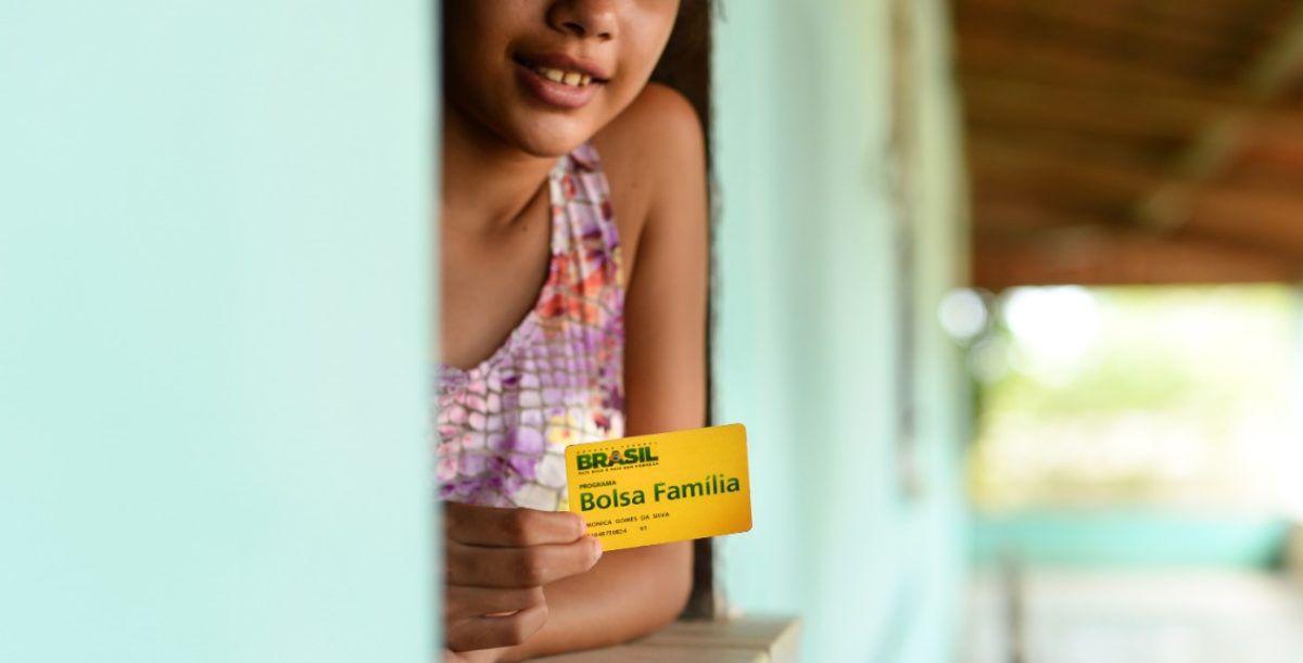 Inscritos no Bolsa Família são convocados a RECEBER 7ª PARCELA do Auxílio