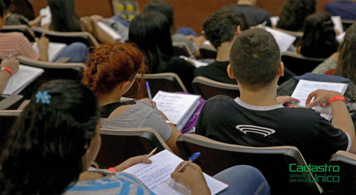 Inscritos no Cadastro Único recebem ISENÇÃO em Universidades