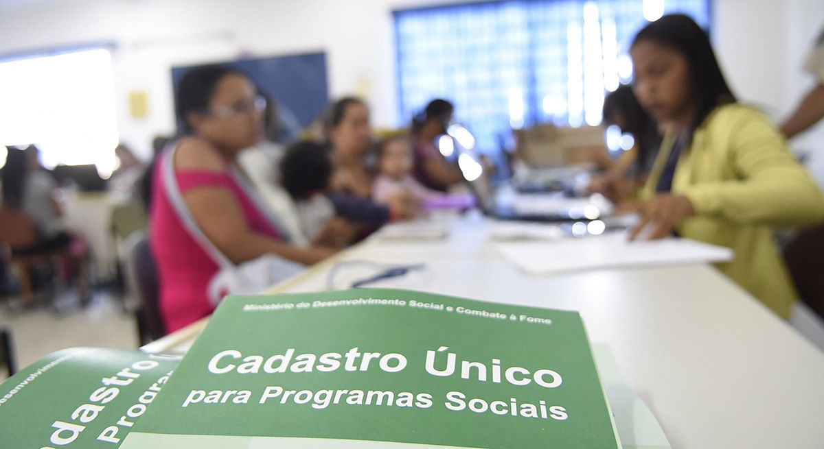 Milhares de brasileiros podem se CADASTRAR no CadÚnico e NÃO SABEM