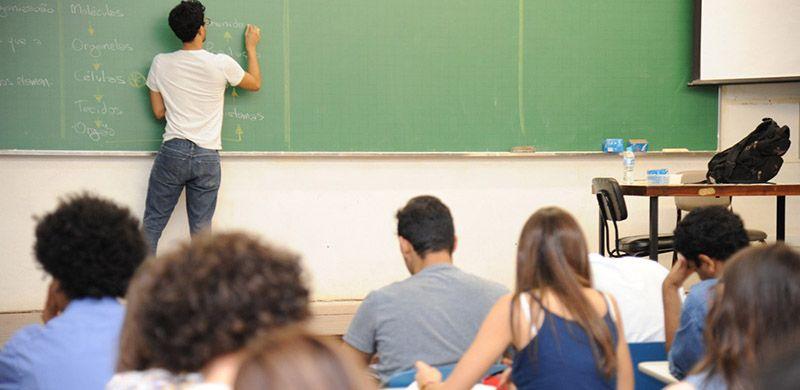 Educação abriu 4.000 vagas para PROFESSORES