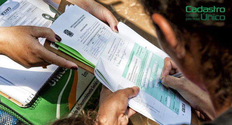 OBRIGATÓRIO: Inscrição no CadÚnico para RECEBER BENEFÍCIO