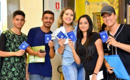 JOVEM APRENDIZ SENAI 2021: Indústria OFERECE mais de 60 MIL VAGAS REMUNERADAS para TODO o BRASIL em FEVEREIRO!