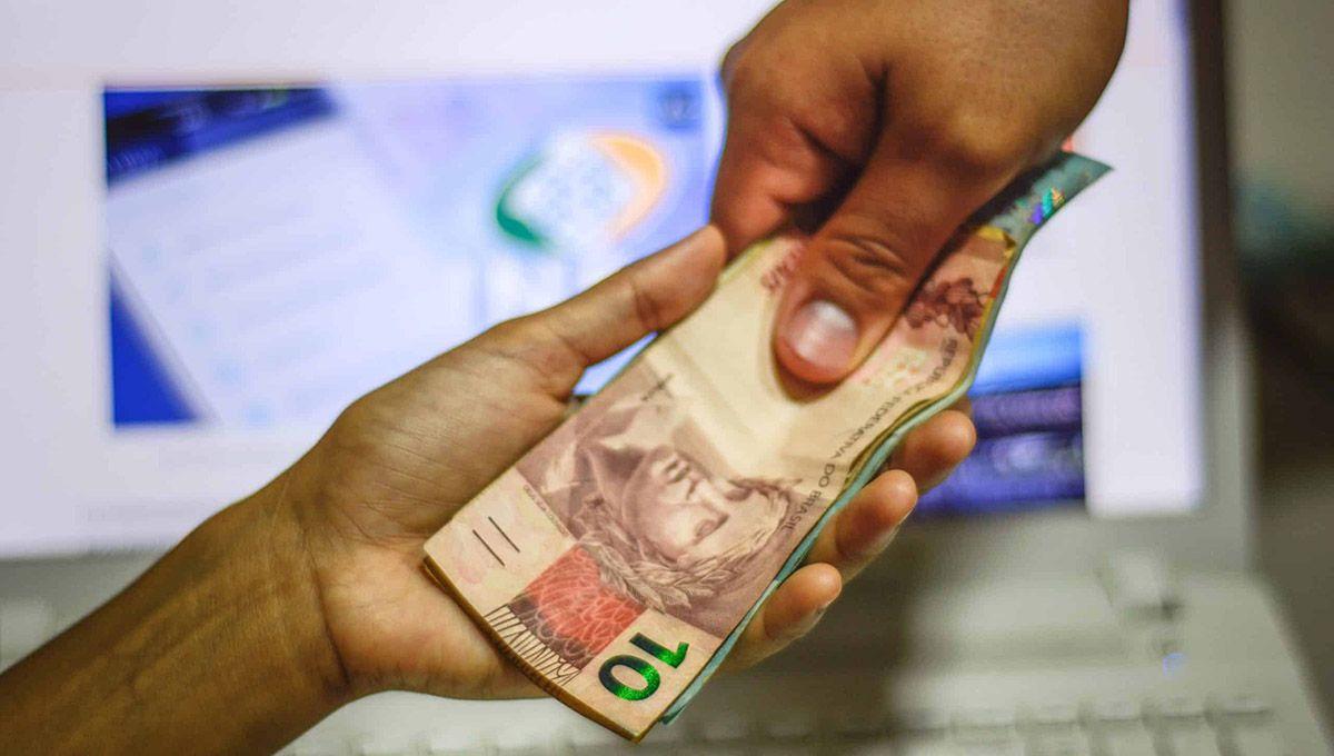 Aposentados do INSS recebem salário antecipado a partir do dia 25/05