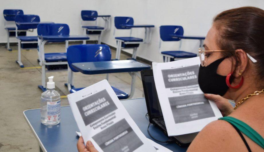 Auxílio de R$ 1.500 para servidores da educação