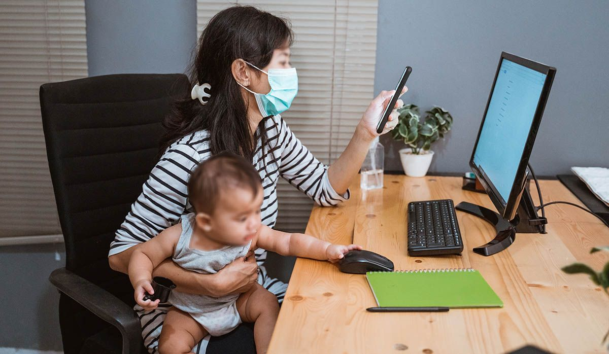 Programas contratam mães que estão fora do mercado de trabalho