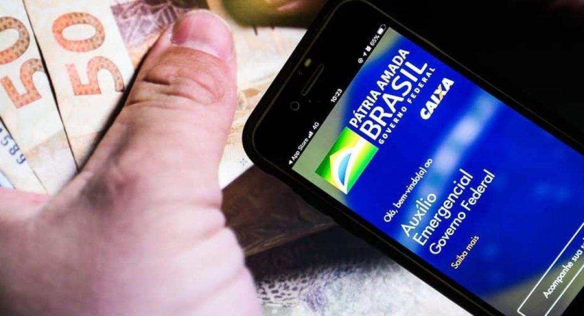 Novos pagamentos da Caixa em 2021 Valor de até R$1.000 pelo celular; veja como vai funcionar